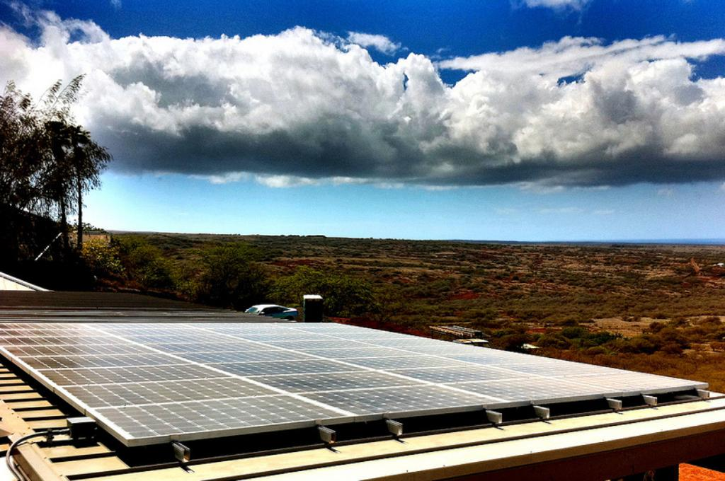Hawaii's Booming Solar Industry In Uproar Over New Tax Credit Rules