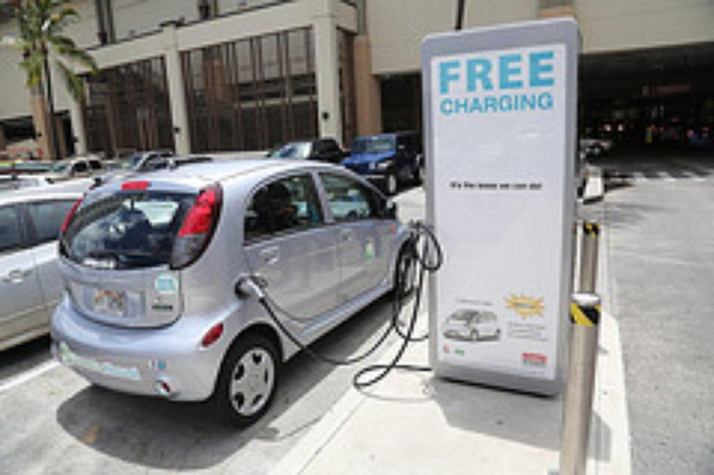... Infusion Energizes Hawaii Electric-Car Charging Company - Civil Beat