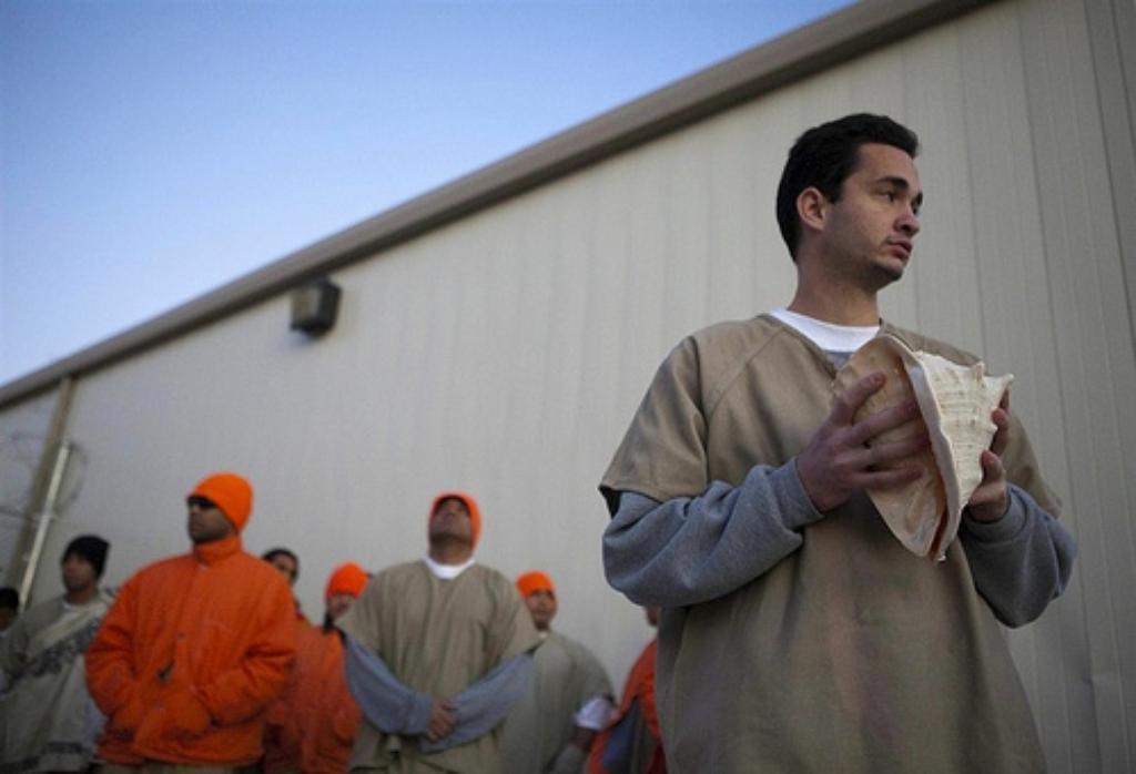 A Plan to Return Hawaii's Mainland Inmates