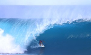 PHOTOS – Surfing's 2011 Pipeline Masters: Barrels and Wipeouts