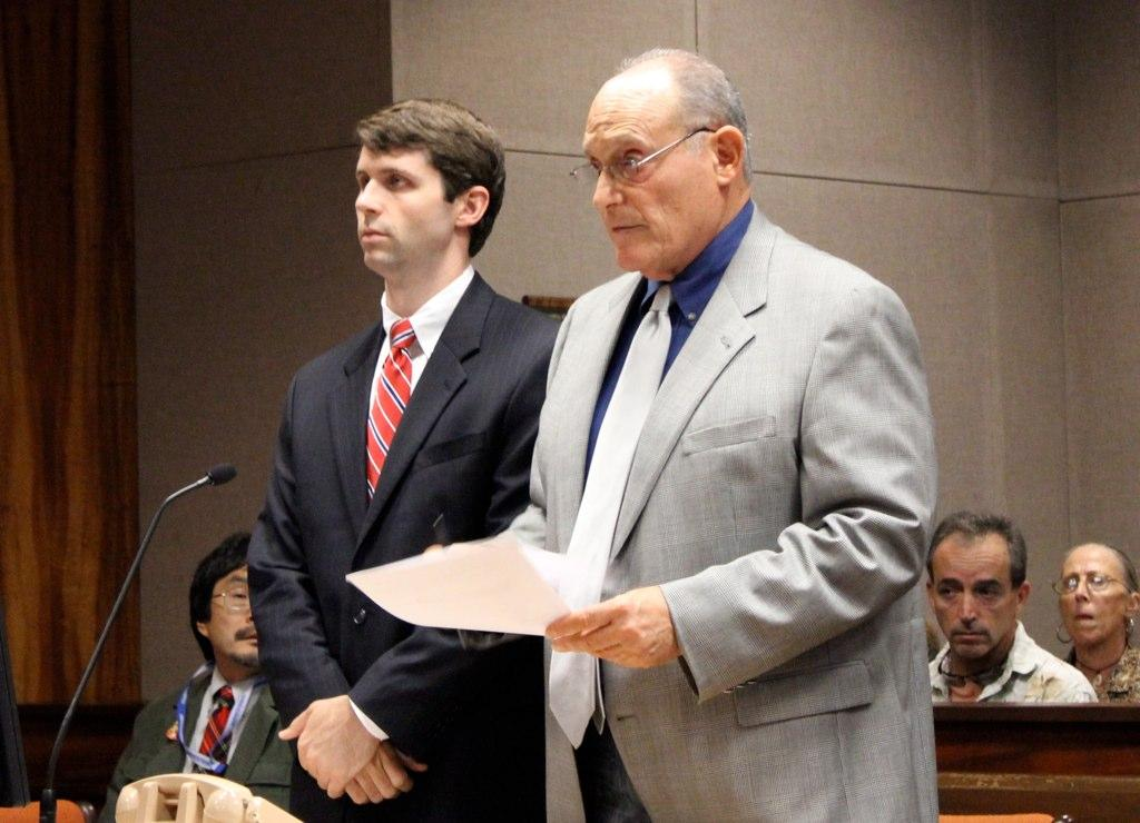 Federal Agent On Trial For Murder Boosts Defense Fund Via Internet