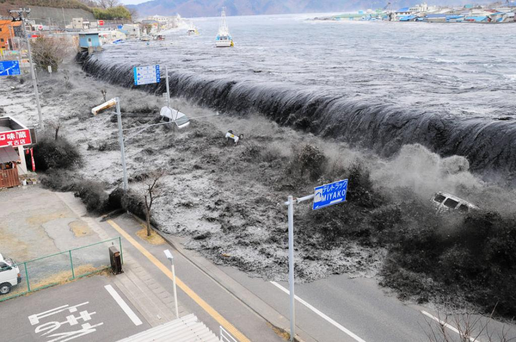 A History of Tsunamis in Hawaii