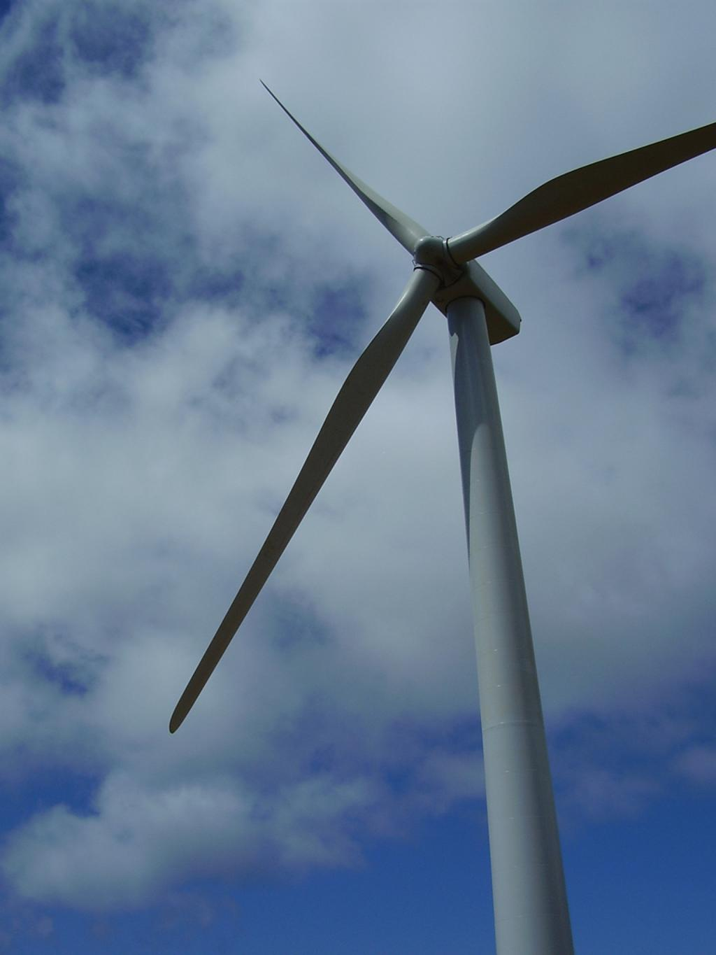 Idle Kahuku Wind Farm Still Costing Ratepayers