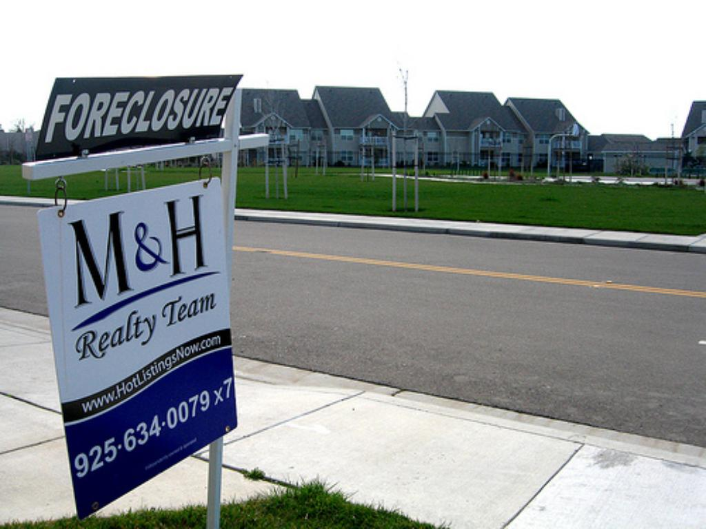 Under New Foreclosure Law, Lenders Giving Families Day in Court