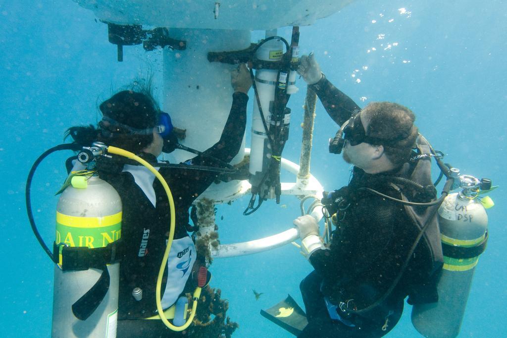 UH Extends Secret Navy Research Lab Despite Minimal Revenue