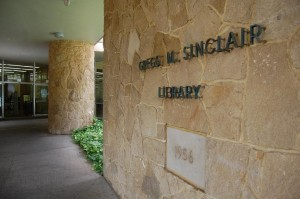 $20 Million Facelift For Popular UH Library Is Among Ige's Requests