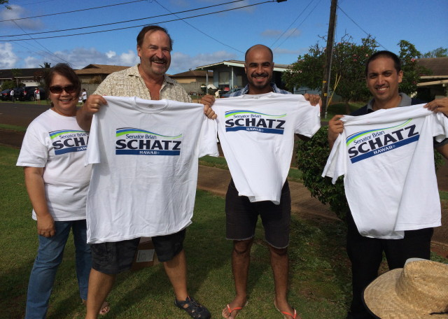 Schatz supporters, Lihue, July 1, 2014