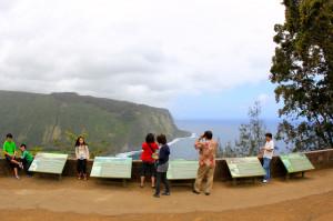 Hawaii Economists Predict Record Number of Visitors