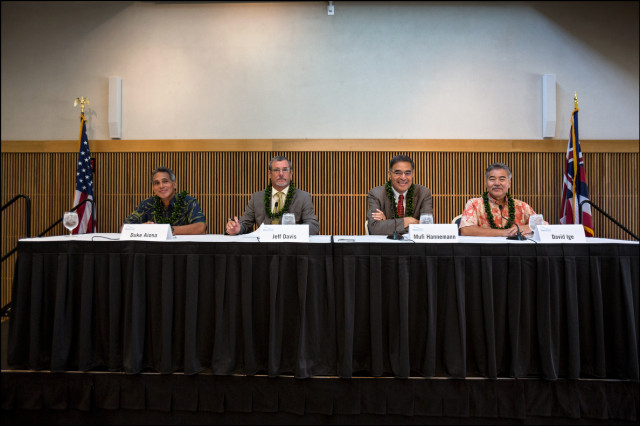 The four gubernatorial before the start of forum at UH West Oahu presented by the West Oahu Economic Development Association, left to right are Duke Aiona, Republican Party, Jeff Davis, Libertarian Party, Mufi Hannemann, Independent Party,  Sen. David Ige, Democratic Party on August 26, 2014