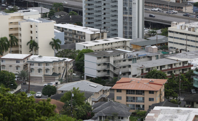 View of Makiki rentals and condominiums. 24 nov 2014. photograph cory Lum