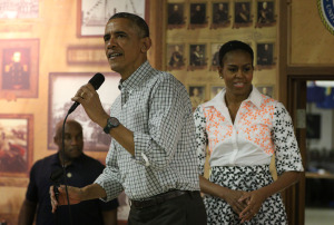 Slideshow:  President and First Lady Pay Christmas Visit to Troops