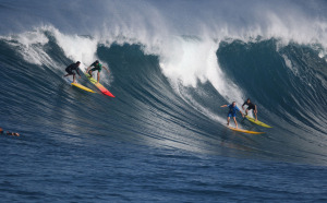 Slideshow: No Contest at Banzai Pipeline, But Still a Swell Day on the North Shore