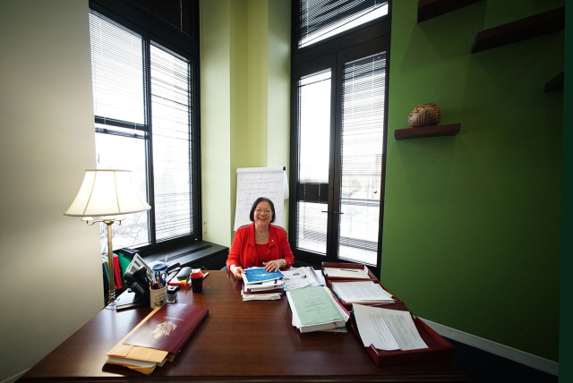 Senator Mazie Hirono office desk. 25 feb 2015. photograph Cory Lum/Civil Beat