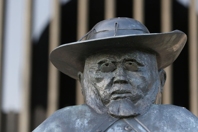 Father Damien statue capitol. 3 march 2015 .photograph Cory Lum/Civil Beat