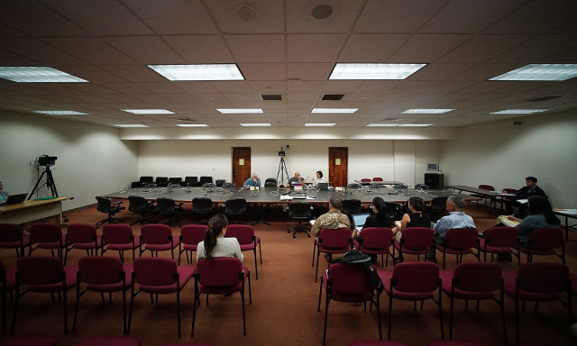 Wide view of hearing. Senator Gilbert Keith-Agaran during Galluteria hearing. 23 april 2015. photograph by Cory Lum/Civil Beat