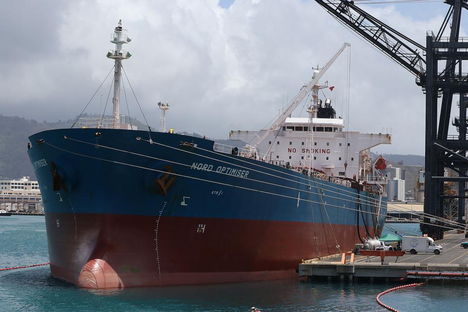 Living Hawaii: Is Cheap Oil NextEra's Enemy?