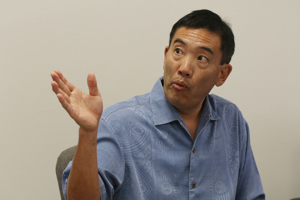 Under Fire: Hawaii Ethics Director Defends His Strict Ethical Views