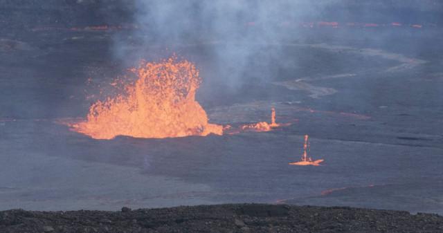 Lava pool on bottom of Halemaumau Crater. Hawaii. 3 may 2015. photograph Cory Lum/Civil Beat