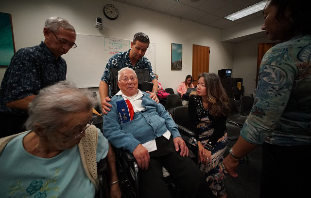 Sen Suzanne Chun Oakland consoles 94-year-old Noboru Kawamoto as the care home bill was deferred. 1 may 2015. photograph Cory Lum/Civil Beat