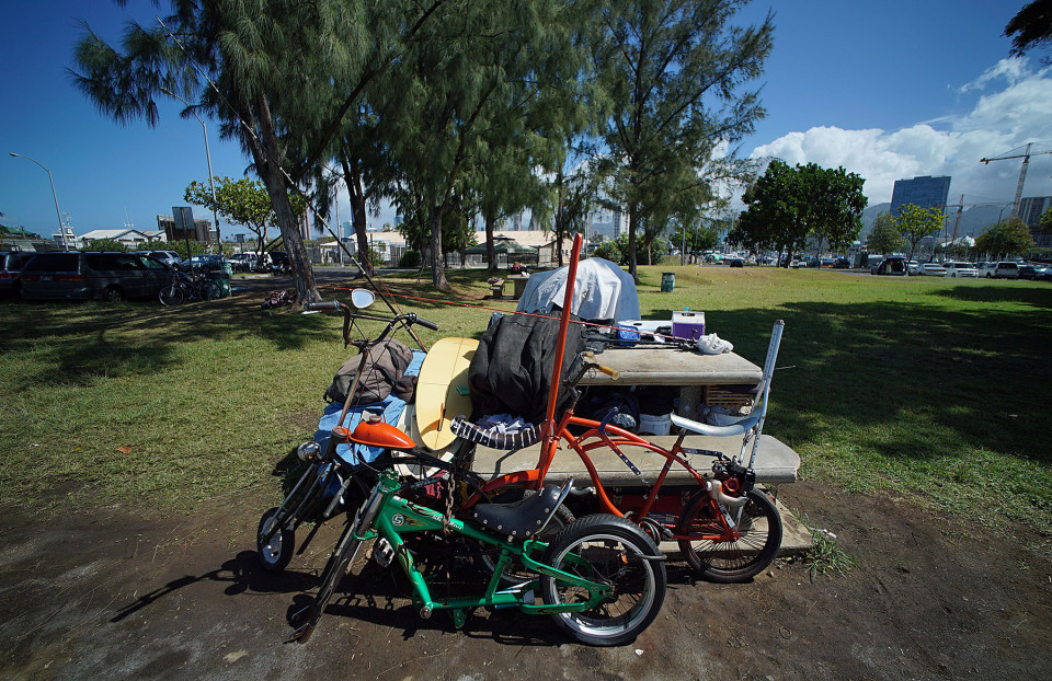 State Gears Up To Sweep Homeless Encampments At Kakaako Parks