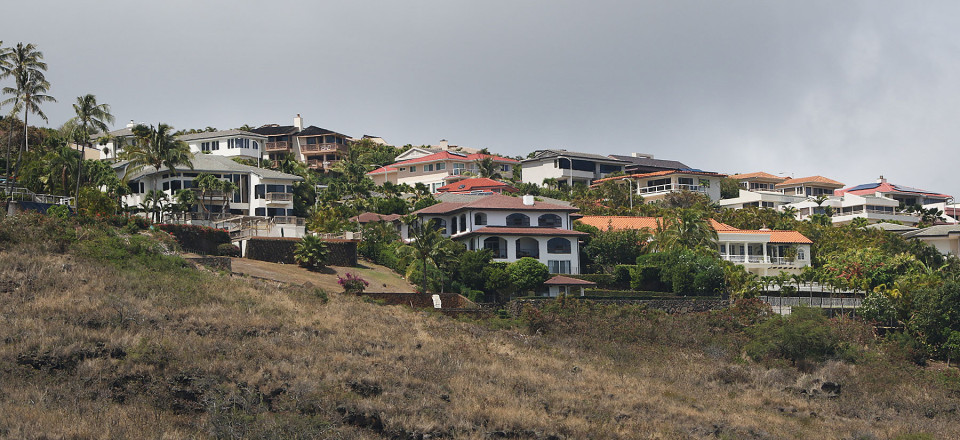Home off of Puuikena Drive, Hawaii Loa Drive. 8 june 2015. photograph Cory Lum/Civil Beat