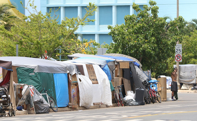Tents along Ohe Street in Kakaako. homeless. 3 july 2015. photograph by Cory Lum/Civil Beat