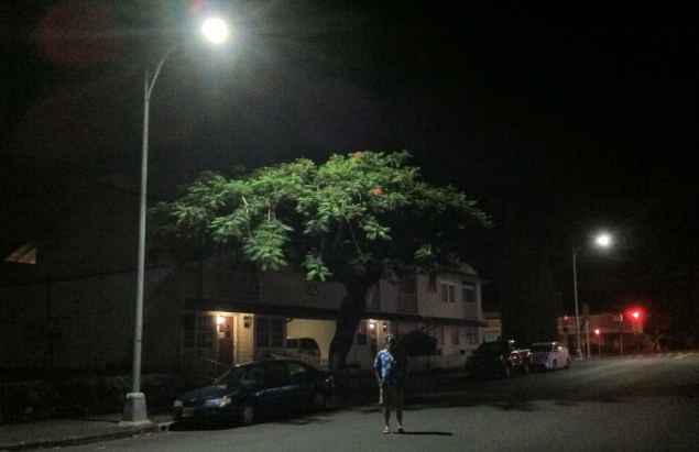 street-light-pic-on-Lowrey