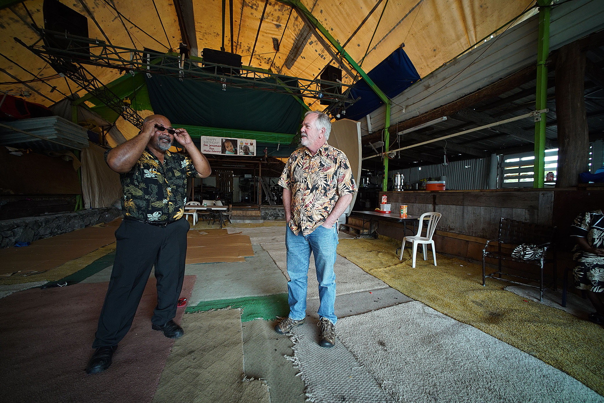 <p>Jonithen Jackson, left, with state Rep. Richard Creagan, at Jackson&#8217;s studio and gathering place on the Big Island. Creagan is a former Peace Corps volunteer in the Marshall Islands.</p>