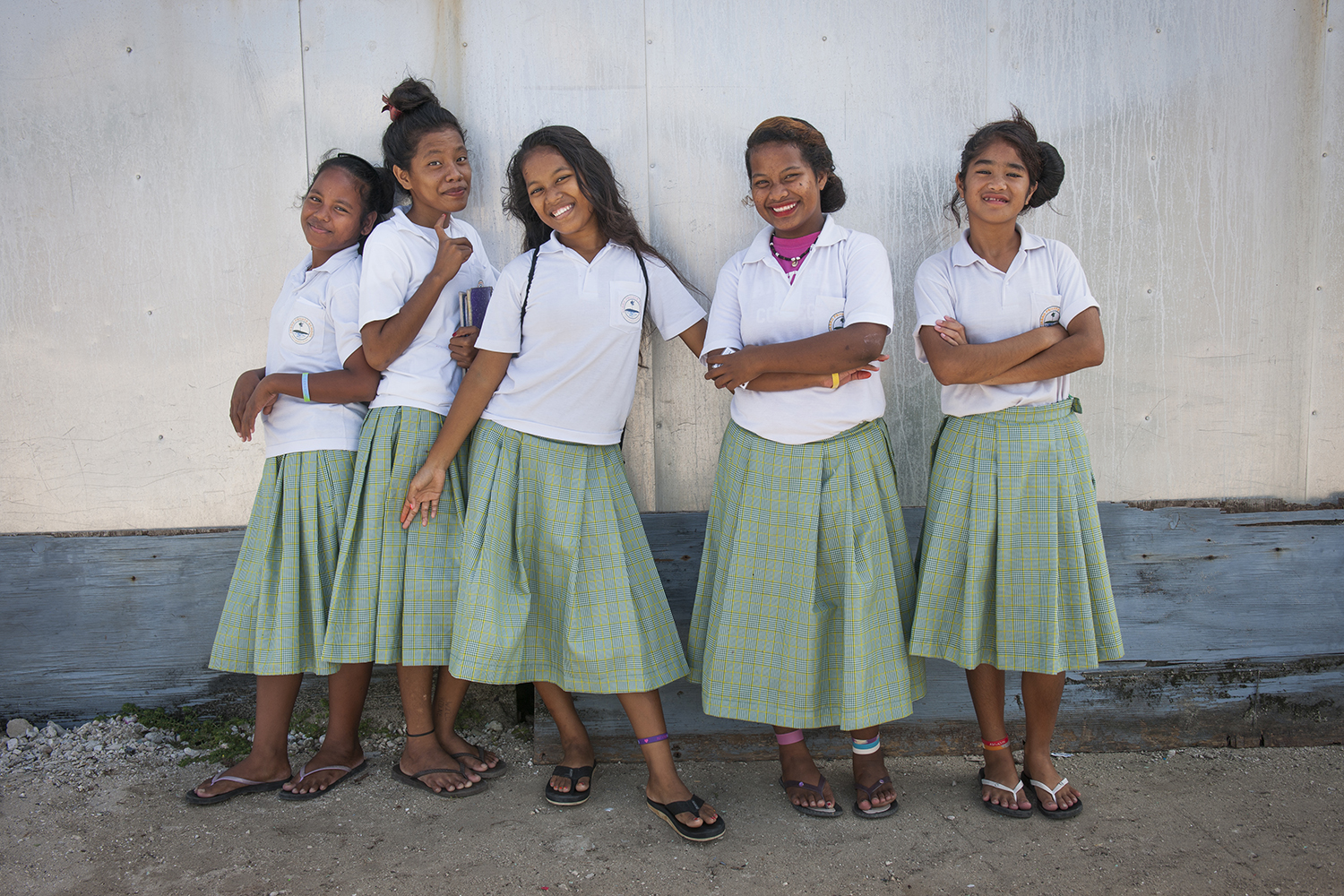 <p>School girls on Ebeye in the Marshall Islands.</p>