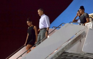 The Obamas And Oahu, Together Again For The Holidays