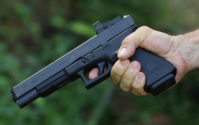 Glock 40 caliber pistol gun semiautomatic1. 5 jan 2016. photograph Cory Lum/Civil Beat