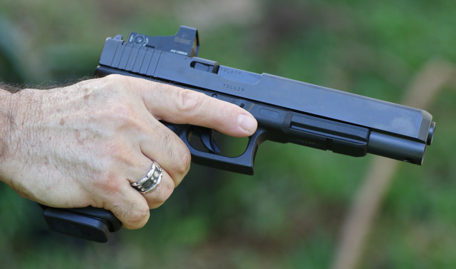 12.5 percent of Hawaiian households in 2014 owned a gun, according to the Centers for Disease Control and Prevention.