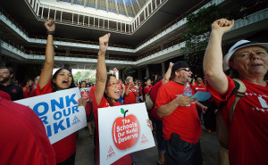 Hawaii Teacher: New Moms In Our Schools Deserve Maternity Leave