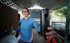 WATCH: Volunteers In Hawaii's War On Mosquitoes