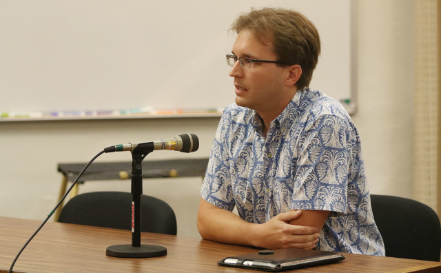 R Brian Black Executive Director Civil Beat Law Center for the Public Interest testifies during charter commission meeting at Honolulu Hale.