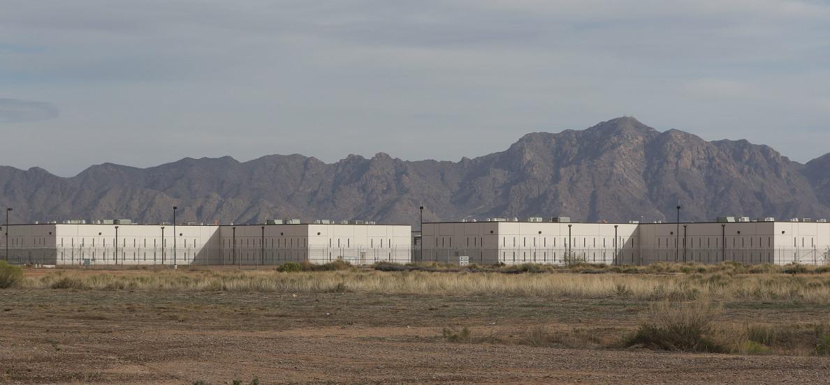 Saguaro Correctional Center CCA Fence CCA mountains Eloy Arizona1