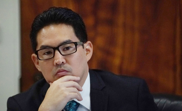 Chair Scott Nishimoto sits during house meetings at Capitol Room 308. 5 april 2016.