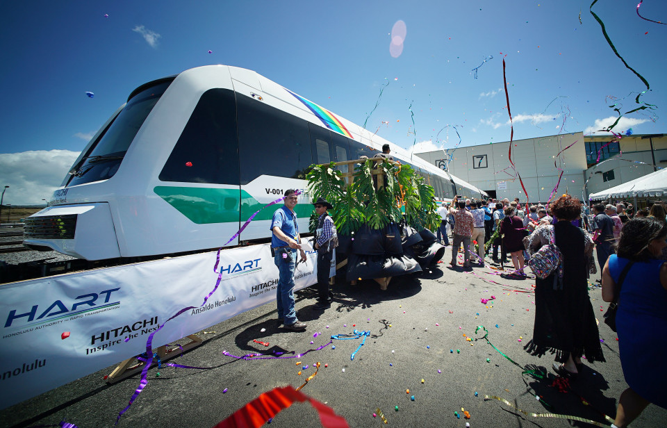 Here's A 360-Degree View Inside Honolulu Rapid Transit's First Train Car