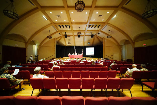 HART rail held an informational meeting at the Mission Memorial Auditorium, sparsely attended. 24 may 2016.
