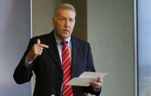 Carlisle Wants To Be Mayor Of Honolulu, Again