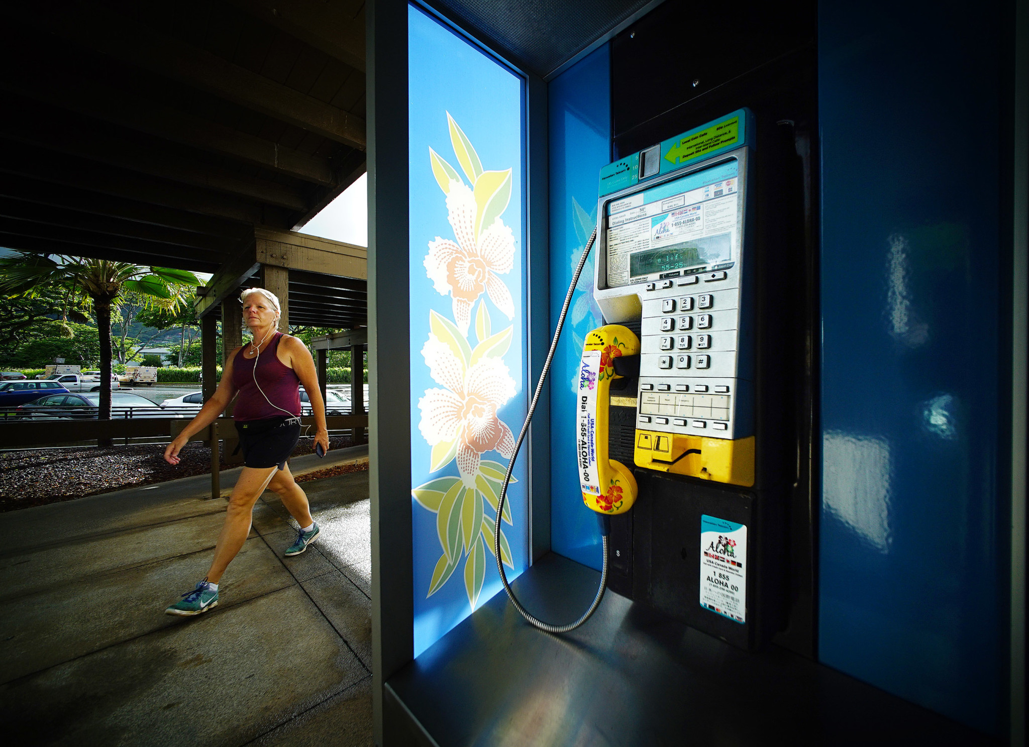 Hawaii Is A Paradise For Pay Phones - Honolulu Civil Beat