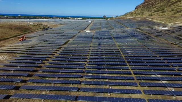 A 27.6-megawatt solar project is being developed on Oahu's westside.