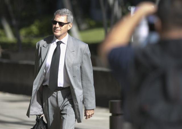 Honolulu Attorney Myles Breiner going into Federal Court. 16 dec 2016