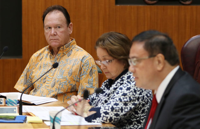 Former Hawaii Supreme Court Associate Justice Robert Klein looks on at OHA meeting before addressing trustees in executive session. 4 jan 2017