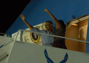 Obamas Depart, Ending Last Presidential Vacation On Oahu