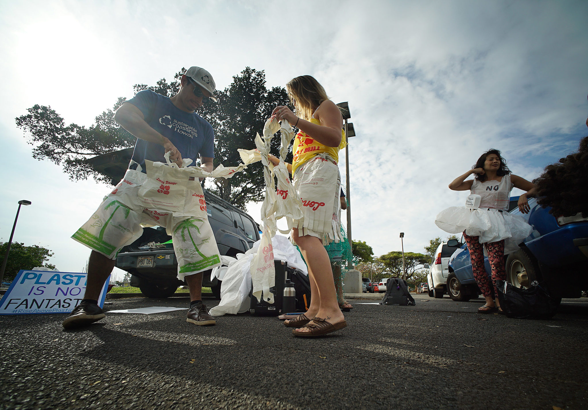 <p>The demonstrators called for a tougher plastic bag ban in Honolulu — a proposal the City Council just postponed — and a statewide ban on plastic foam food containers, which is under consideration at the Legislature.</p>
