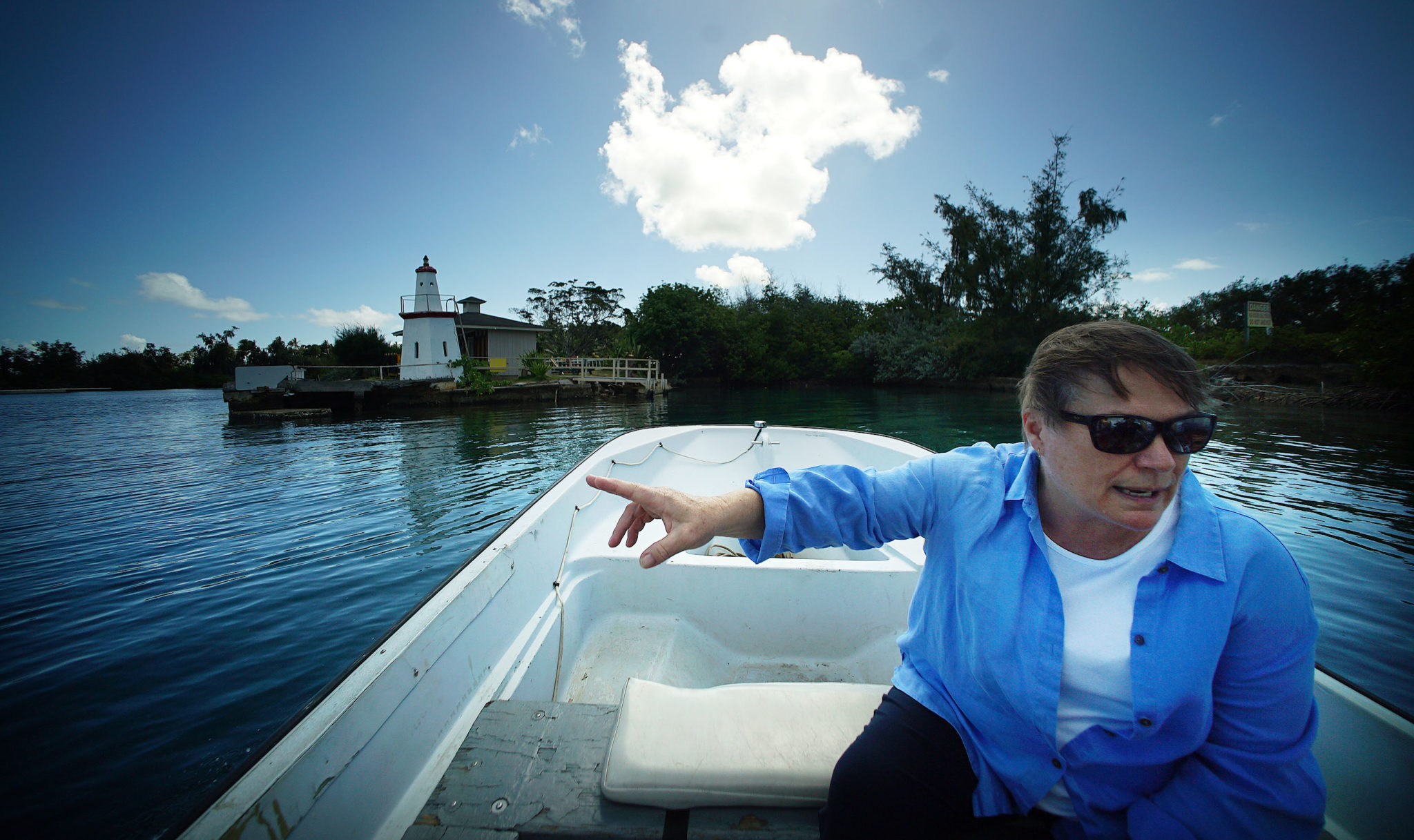 <p>Ruth Gates, research professor and director of HIMB, heads out to Coconut Island on a small boat from Lilipuna Street.</p>