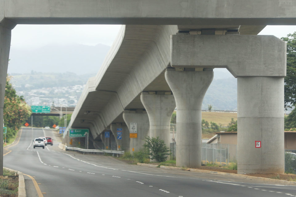 HART rail guideway towers along Farrington Highway (eastbound) near Waipahu High School.