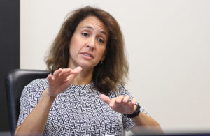 How Some Hawaii Officials' Paychecks Compare To The Mainland
