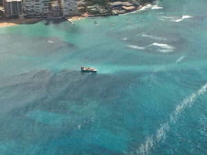20 Men Rescued After Fishing Vessel Runs Aground Off Waikiki